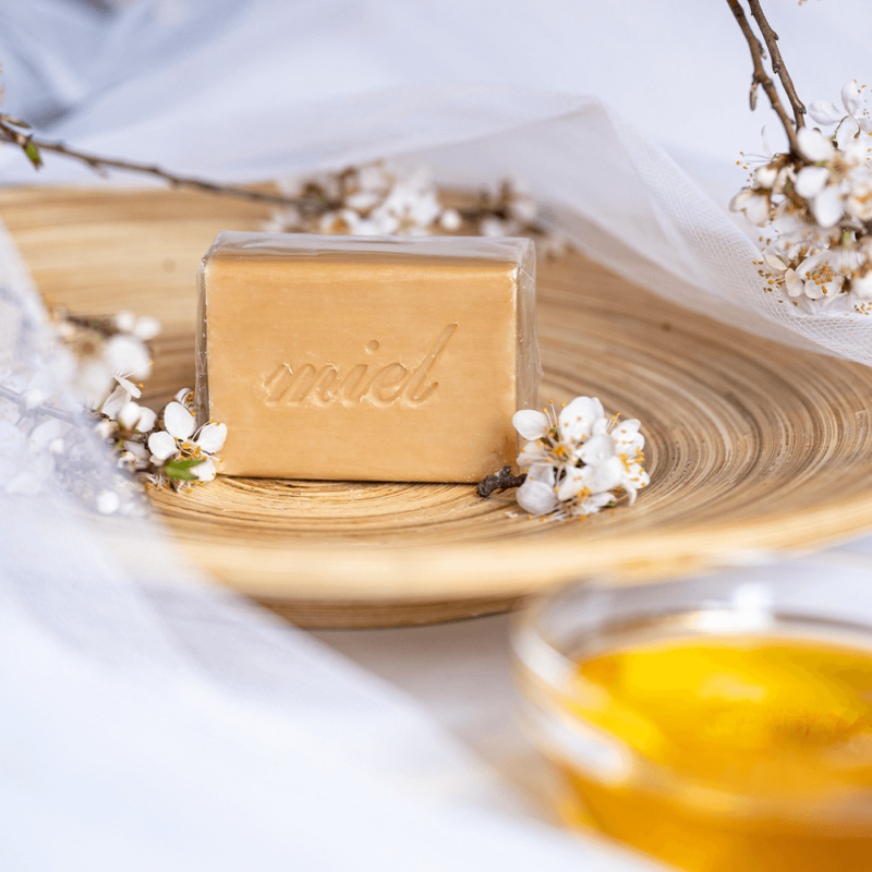 Casa Nature kézzel készült, 100% növényi, extra gyengéd szappan tiszta organikus shea vajjal, édes méz illattal - Miel